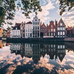 Amsterdam. So charming Adventure Travel, Adventure Awaits, Travel Around The World, Places Around The World, Amsterdam Travel, Amsterdam Canals, Amsterdam Netherlands, Amsterdam Houses, Holland Netherlands