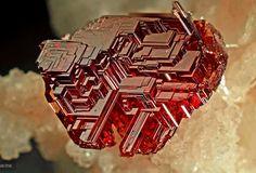 Naturally etched Garnet Almandine-Spessartine | Geology IN