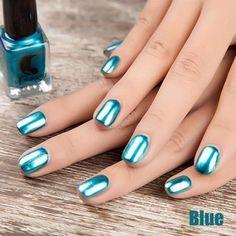Chrome Mirror Nail Polish, Metallic Nail Polish, Silver Nails, Nail Polish Colors, Metallic Gold, True Mirror, Crome Nails, Glam Look, Summer Acrylic Nails