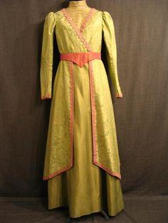 09017476 09020248 Suit 1900's, light geen pink trim, B37 W30.JPG
