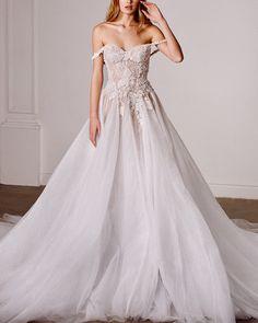 Galia Lahav | Do Not Disturb #galialahav #fashion #moda #dress #vestido #vestidosdenovia #weddingdresses #weddingdress #noiva #bride #whitedress #vestidobranco