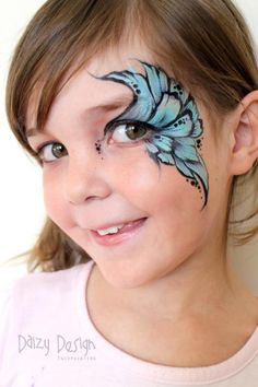 Daizy Design face paint / schmink oogdesign gepind door www.hierishetfeest.com