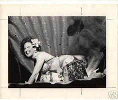 BETTE MIDLER RARE VINTAGE PHOTO | #26209588 Delta Blues, Bette Midler, Folk Music, Rock N Roll, Vintage Photos, Amazing Women, Musicians, Ms, Legends