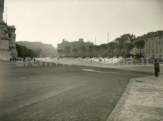 Piazza Venezia Best Cities In Europe, Old Photos, Rome, Sidewalk, Italy, Antique, Argentina, Fotografia, Pictures