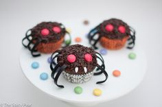 Halloween Spider Cupcakes by The Spicy Pear