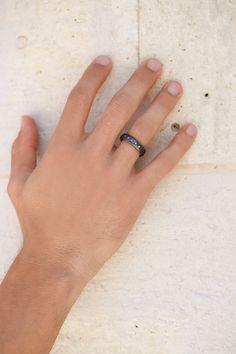 Medium silver ring with diamonds