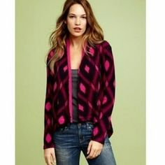 SALEgap// ikat cardigan The coziest, statement making cardigan you will own. Wore once with navy pants- so adorable! Fits true to size. GAP Sweaters Cardigans