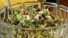 <p>This healthy broccoli-bacon salad recipe is an easy potluck side dish recipe. Tra</p>