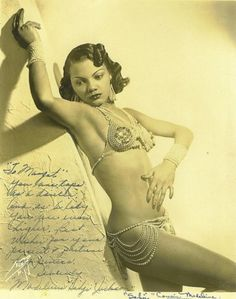 Exotic dancer Sahji (Madeline Jackson) was a headline dancer at the Cotton Club from 1933 to She's beautiful! Vintage Black Glamour, Vintage Beauty, 1920s Glamour, Glamour Party, Vintage Vogue, Vintage Hollywood, Hollywood Glamour, Pin Up Noire, Burlesque Vintage