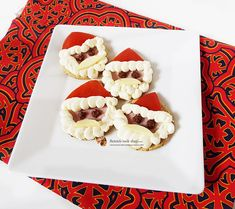 Aperitive festive pentru Craciun si Revelion Waffles, Cake Decorating, Gluten, Breakfast, Food, Morning Coffee, Essen, Waffle, Meals
