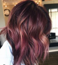 40 Awesome Balayage Red Hair Inspiration - New Hair Hair Color Balayage, Ombre Hair, Rose Gold Hair Brunette, Plum Hair Highlights, Red Hair With Lowlights, Red Balayage Hair Burgundy, Color Highlights, Hair Day, New Hair