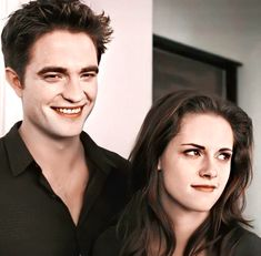 Twilight Film, Twilight Bella And Edward, Twilight Saga New Moon, Vampire Twilight, Twilight Saga Series, Twilight Breaking Dawn, Breaking Dawn Part 2, Edward Bella, Twilight Pictures
