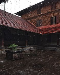 Village House Design, Bungalow House Design, Village Houses, Small Space Interior Design, Interior Work, Home Interior Design, Kerala Traditional House, Traditional House Plans, Dream Home Design