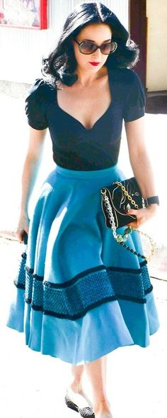 such a cute retro outfit! not something you see everyday and it is perfect!