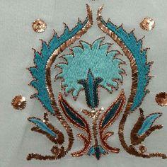 Neşe'nin gözdeleri Embroidery Stitches, Embroidery Patterns, Hand Embroidery, Machine Embroidery, World Crafts, Lesage, Motif Design, Cutwork, Textiles