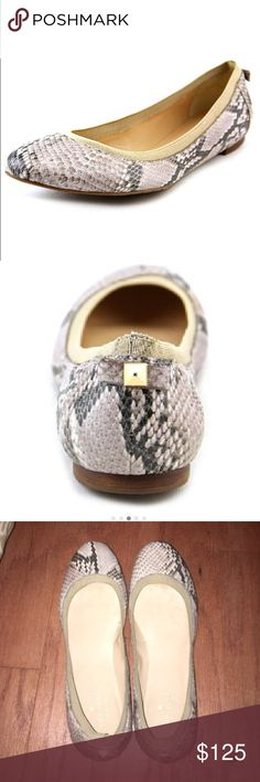 🐍 Kate Spade Taffy flat Tan snakeskin flat with fabric detail around and now detail on the back. Worn once!! kate spade Shoes Flats & Loafers