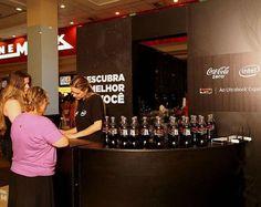Todos os nomes na Coca-Cola Zero!  A partir de sexta-feira 19, quem não encontrou a garrafa com seu nome terá mais uma chance!  Em parceria com a Intel, a Coca-Cola, irá instalar alguns quiosques nos shoppings de algumas cidades, onde será possível personalizar em alguns minutos a embalagem do refri!  Nice!!