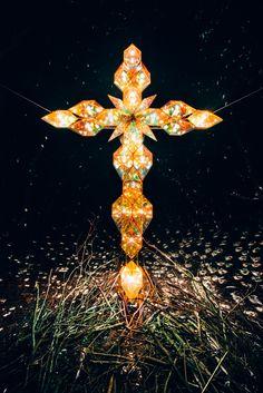 宮沢賢治 生誕120周年|NENOUWASA/ねのうわさ Sign Of The Cross, Templer, Soul Art, Installation Art, Three Dimensional, Beautiful Landscapes, Photo Art, Glass Art, Art Photography