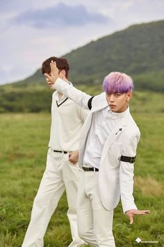 B.A.P HoneyMoon Comeback What is Daehyun trying to do? XD
