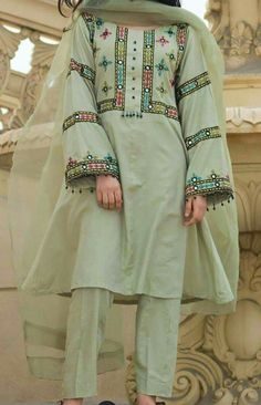 New Eid collection Pakistani Formal Dresses, Pakistani Fashion Party Wear, Pakistani Dress Design, Pakistani Kurta, Pakistani Bridal, Indian Dresses, Indian Outfits, Girls Frock Design, Fancy Dress Design