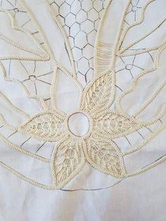 Embroidery Stitches, Embroidery Patterns, Romanian Lace, Point Lace, Bobbin Lace, Tatting, Knots, Crochet Purses, Tricot