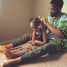 Here are four simple steps on how to do bantu knots. We have also listed some cute hairstyle pictures to view as well. View the tutorial on bantu knots. Black Dad, Black Fathers, Fathers Love, Afro, Nappy Hairstyle, Black Pics, Fred Instagram, Instagram Repost, Collateral Beauty