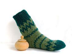 Mens wool socks. Chunky hand knitted hiking socks by FlySheep