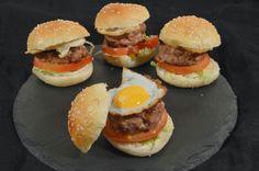 Caprichos de #hamburguesas de #ternera y queso con #huevo de #codorniz, realizados con la #sartén #Quarz #Black de #Quid