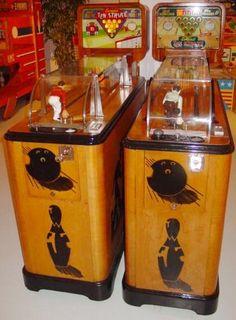 Two vintage Evan's Ten Strike arcade bowling games Arcade Game Machines, Arcade Machine, Vending Machines, Retro Robot, Retro Toys, Vintage Games, Vintage Toys, Juke Box, Retro Arcade Games