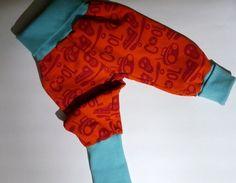 Pumphosen - *Cool* eine Hose, die mitwächst - ein Designerstück von traumgenaeht bei DaWanda