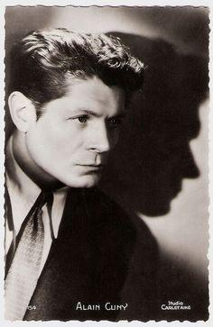 Alain Cuny, de son vrai nom René Xavier Marie, est un acteur français, né le 12 juillet 1908 à Saint-Malo et mort le 16 mai 1994 à Paris.