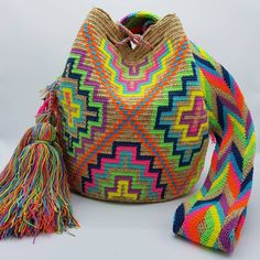 28 отметок «Нравится», 1 комментариев — Welawayuu  เวลาวายู  (@wela.wayuu) в Instagram: «❤️ Wayuu bag Matizada 7-10 colors size L   รุ่นไหม 7-10 สี ไซส์ L …»