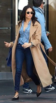 4d639fb47 The trench coat colour that adds a Luxe glow to any outfit –  amameetsglamour Meghan Markle