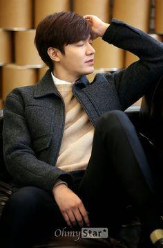 The Imaginary World of Monika: Lee Min Ho - Media Interview - Park Shin Hye, Asian Actors, Korean Actors, Korean Celebrities, Celebs, Lee Min Ho Smile, Lee Min Ho Kdrama, Lee Minh Ho, Lee And Me