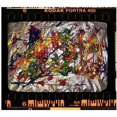 Abstraktes Bild mit Aluminium Hintergrund. Portra 400, Kodak Portra, Retro, Aluminium, The Creator, Movie, Abstract Pictures, Painting Art, Colors