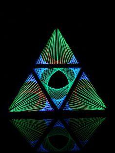 """StringArt Deko Dreieck - Mind Change System """"Lotos Mutation Triangle""""…"""