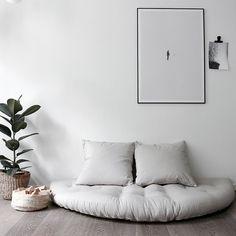 Meditation Corner, Meditation Space, Home Furniture, Furniture Design, Living Room Decor, Bedroom Decor, Floor Sitting, Best Decor, Relaxation Room