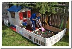 This is such a fun idea! Create an outdoor playscape for kids to pretend to garden, plant their own pretend flowers and more. This would be easy to do and provide hours and hours of summer PLAY Ideen Spielbereiche Creating an Outdoor Playscape Kids Outdoor Play, Kids Play Area, Backyard For Kids, Outdoor Toys, Outdoor Fun, Diy For Kids, Play Areas, Play Spaces, Indoor Play