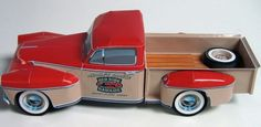 Automotive designer Camille Morin presents her 2012 Special Edition, a free gift to the paper modeling community, a 1/24-scale pickup truck with a Yuletide paint job!  Designed to commemorate the classic truck designs of the 40's and 50's