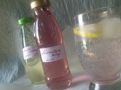 Levendula szörp, Menta-Citromfű szörp Healthy Drinks, Herbalism, Wine, Bottle, Food, Mint, Herbal Medicine, Flask, Essen