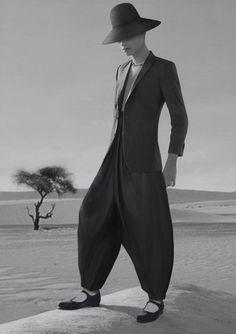Photography fashion men avant garde 58 ideas for 2019 Dark Fashion, Trendy Fashion, High Fashion, Mens Fashion, Vetements Clothing, Fashion Model Poses, Fashion Details, Fashion Tips, Work Wardrobe