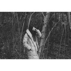 【yoshinori_28_】さんのInstagramをピンしています。 《#instagram  #instagramjapan #igersjp  #RECO_ig  #500px #watchthisinstagood  #nikon  #monochrome  #webstapick #bwportrait #blackandwhiteportrait #Portrait  #Japan #fashion #ポートレート#モノクローム #ファインダー越しの私の世界  #ポートレート部 #森 #被写体》