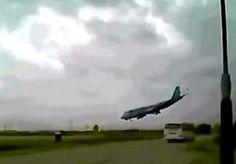 1-May-2013 2:46 - SCHOKKENDE BEELDEN GECRASHTE BOEING. Op internet is een schokkend filmpje opgedoken van het Amerikaanse vrachtvliegtuig dat maandag in Afghanistan na het opstijgen tegen de grond…...