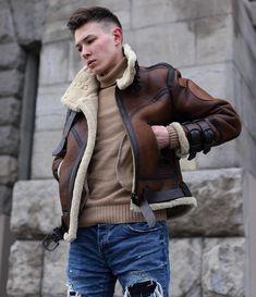 Fashion Men, Teen Fashion, High Fashion, Fashion Design, Boys Winter Coats, Sheepskin Coat, Winter Soldier, Good Looking Men, I Dress