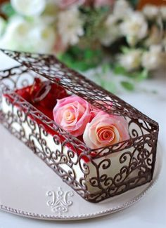 Anniversary : Sweets Note Shared by Where YoUth Rise Beaux Desserts, Fancy Desserts, Chocolate Work, Modeling Chocolate, Chocolate Roses, Mini Cakes, Cupcake Cakes, Chocolate Garnishes, Decoration Patisserie