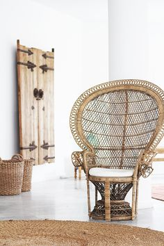 ✴ I'd love to turn this into a rocker by building a beautiful base, then stain chair and base a dark mahogany color...so cozy for a great reading spot by a window or fireplace!