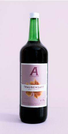 Direkt gepresster Traubensaft in der Liter-Glasflasche  #traubensaft #aichinger #glasflasche #fruchtsaft #juice Wine, Drinks, Bottle, Grape Juice, Fruit Juice, Farm Shop, Glass Bottles, Holiday, Drinking