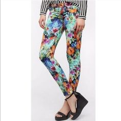 NWOT Floral Print Skinny Jeans By SOLD Design Lab Boutique purchase last year, had to have and never wore. Gorgeous colors and flattering fit! True to size. Excellent condition! SOLD Design Lab Pants