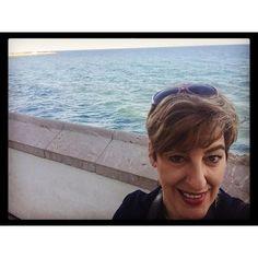 By The sea. Hmmmmm, good vibes.  Junto al mar. Ohhhhhh, buenas vibras.  www.jessicajlockhart.com.  #coachingenoptimismo #humanology #optimismcoaching #jessicajlockhart #humanología
