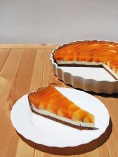 Barackos-mascarponés pite - Kifőztük, online gasztromagazin Hungarian Desserts, Hungarian Recipes, Hungarian Food, Hot Dog Buns, Biscotti, Healthy Snacks, Cheesecake, Low Carb, Pie